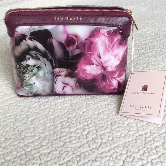 19a6ecd42534b9 Ted Baker Floral Makeup Bag 💄